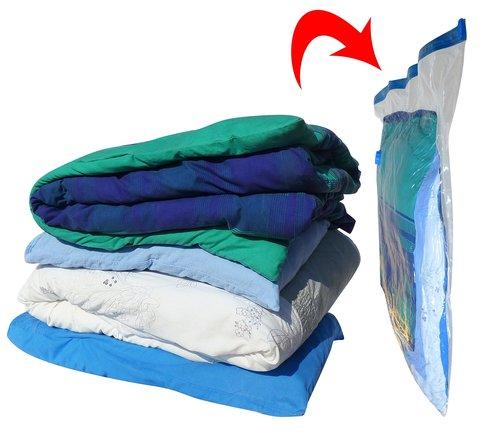 Вещи в вакуумном мешке уменьшаются в несколько раз